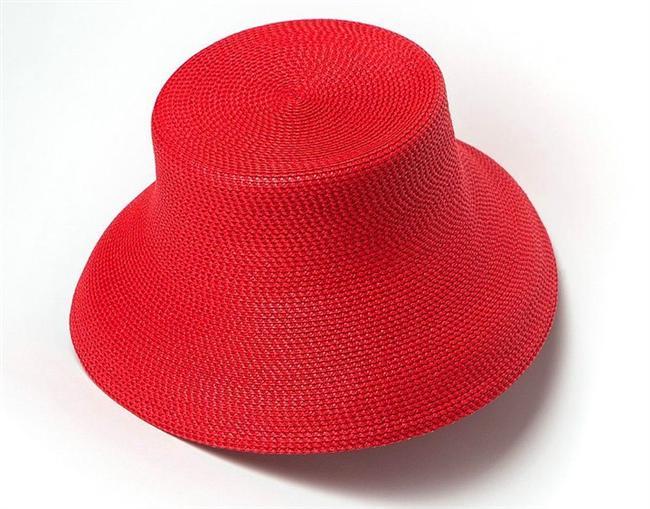 9-Bu yaz başınızdan renkli şapkalarınız eksik olmasın.