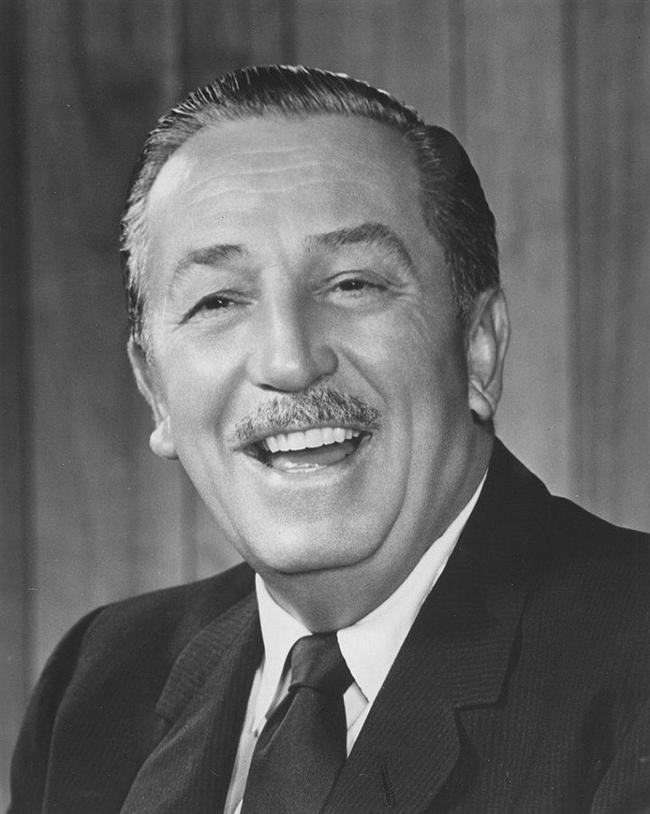 Walt Disney  Cesedinin dondurularak Disneyland'ın altında bulunan gizli bir tesiste saklandığı yönündeki iddalar, üzerinden yıllar geçtiği için artık neredeyse bir şehir efsanesi haline gelmiş durumda. Şirketin aksi yönde defalarca açıklama yapmasına, hatta mezar yerinin bile herkesin gidebileceği bir yerde olmasına karşın; binlerce insan yine de onun günün birinde hayata geçirilecek yeni bir teknoloji sayesinde, ölümden geri geleceği yönündeki inancından vazgeçmiş değil.
