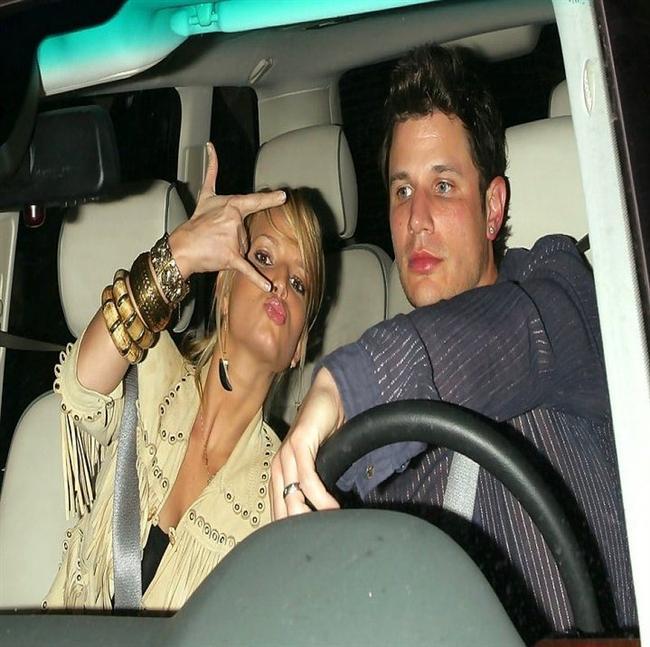 Jessica Simpson & Nick Lachey  İkilinin adı medyaya düştüğünde Simpson daha 17 yaşındaydı. Lachey ise 24.