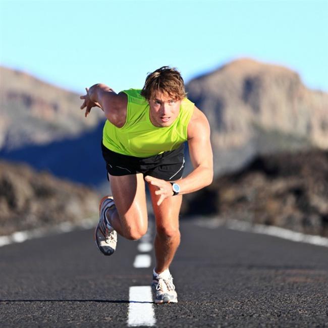Bacaklar  Erkeklerin bacakları daha uzun ve kaslıdır. Bu yüzden kadınlardan daha hızlı koşar, daha uzağa zıplarlar.