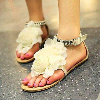 """""""Ne zaman evlenme teklifi alacağım?"""" sandaleti"""