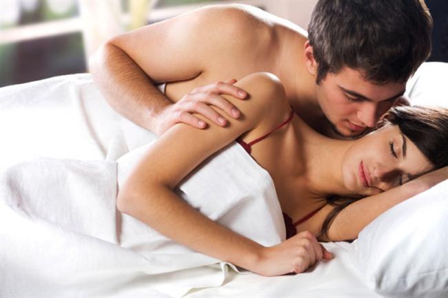 7- Erkekler yatakta sadece kendi zevklerini ve orgazmlarını düşünür.  Bu genellikle kadını tatmin edemeyen erkekler için söz konusudur. Partnerlerin aynı anda tatmin olması pek sık yaşanmaz.