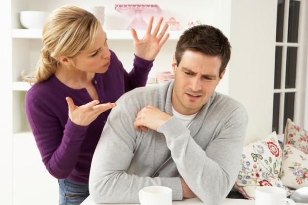 6- Bir erkeğe ne kadar kötü davranırsanız size karşı o kadar bağlanır!  Uzmanlar bunun sadece acı çekmekten hoşlanan erkekleri mutlu ettiğini belirtiyor. Bir erkeğe haddinden fazla kötü davranışlarda bulunursanız onu elinizden kaçırırsınız.
