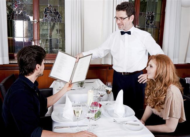 """5. Bir restoranda ayrı ayrı mı yoksa beraber mi ödeyeceğiniz sorulduğunda ani bir refleksle """"Hesabı ortak ödeyeceğiz"""" diye cevap veriyorsa."""