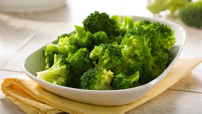 Akrep Burcu için 2. gün  Kahvaltı:  Aç karnına 2 bardak ılık su. 2 dilim kepek ekmek, 1 kibrit kutusu büyüklüğünde beyaz peynir, arada 1 kase diyet yoğurt.   Öğle Yemeği:  Izgara balık, haşlanmış brokoli, bol yeşil salata. Arada 1 bardak diyet süt.   Akşam Yemeği:  Haşlanmış sebze (baharatla süslenebilir), bol salata . Arada 1 tane şeftali.   Akrep Burcu için 3. gün  Kahvaltı:  Aç karnına 2 bardak ılık su. 1 tane meyve 1 dilim kepekli ekmek, şekersiz çay ve kahve. Arada 1 bardak diyet süt.   Öğle Yemeği:  4 tane köfte, bol yeşil salata ve domates. Arada 2 porsiyon meyve.   Akşam Yemeği:  1 porsiyon taze fasulye, bol salata ve arada 1 dilim karpuz.