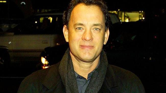 Tom Hanks (American Act/Producer & Director)  Tom Hanks'i bilmeyenimiz pek azdır. Da Vinci's Code, Cast Away, Forrest Gump, Green Mile, Saving Privative Ryan.. 2 Oscar ödüllü ünlü oyuncunun yaptığı işleri saymakla bitiremeyiz. Bu yüzden kısa kesip hemen 58 yaşındaki ustanın servetine geliyoruz. 350 Milyon $