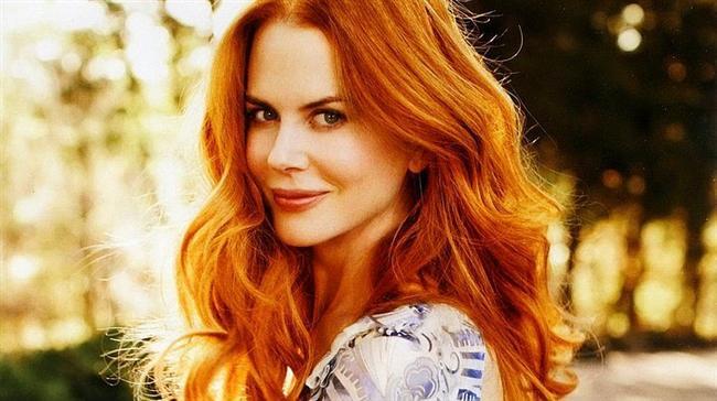 Nicole Kidman  50. yaş gününe sadece iki yıl kaldı. Ama şu güzelliğe bir bakar mısınız? Halen kızılların tacı onun elinde dersek, sanıyoruz abartmış olmayız...