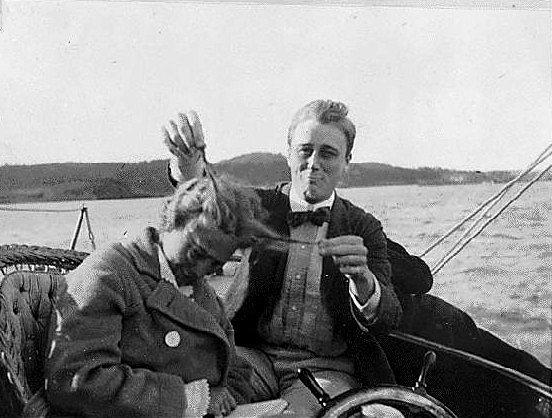 Franklin D. Roosevelt cıvık hanımım afedersin.