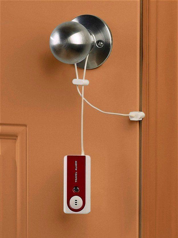 Kapı alarmı.  Bu alarmla odanız daha güvenli, içiniz daha rahat olabilir.