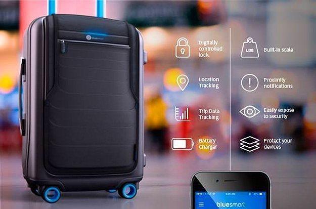 Akıllı valiz.  Akıllı telefonunuzla kurulan bağlantı sayesinde uzaktan kontrol edilebilen üstün teknolojili bir valiz. Nerede olduğunu görebilir, telefonunuzu şarj edebilir ve elektronik cihazlarınızı güvenle taşıyabilirsiniz. Dahası da var...