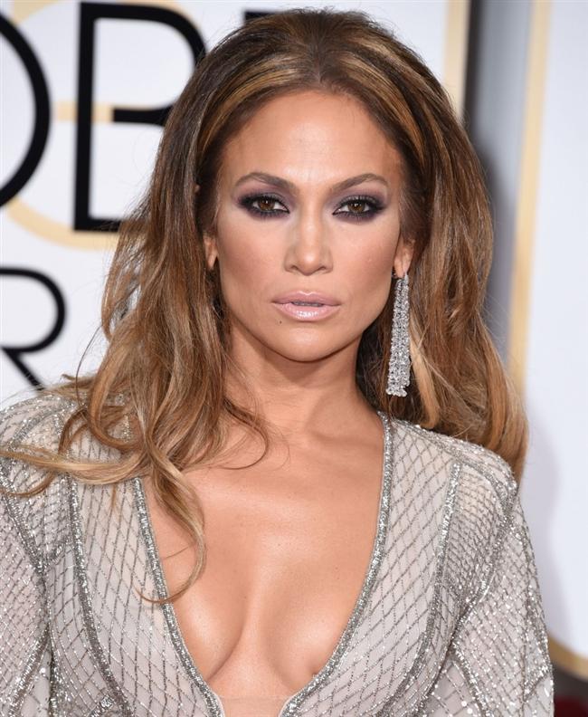 Jennifer Lopez  6 ay boyunca stüdyoda yatmış çünkü gidicek hiçbir yeri yokmuş.