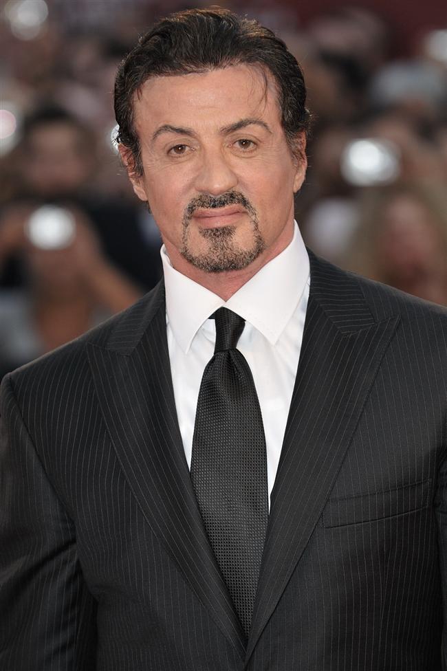 Sylvester Stallone  3 hafta boyunca otobüs terminalinde yaşamış.