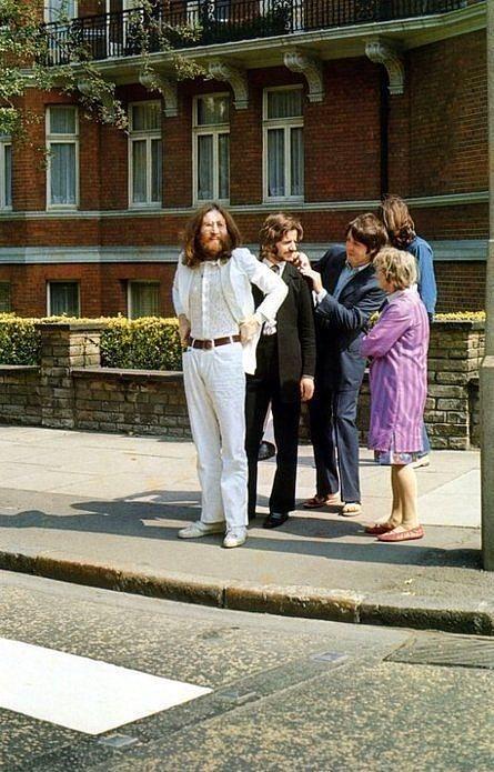 O efsane pozdan hemen önce The Beatles