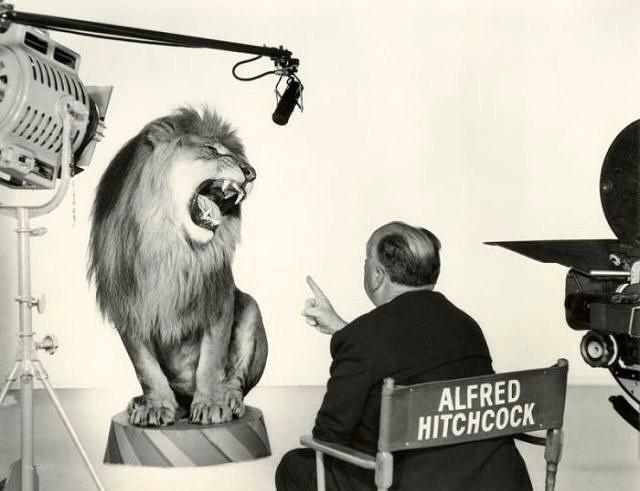 Alfred Hitchcock o meşhur aslan kükremesinin çekimlerini yaparken