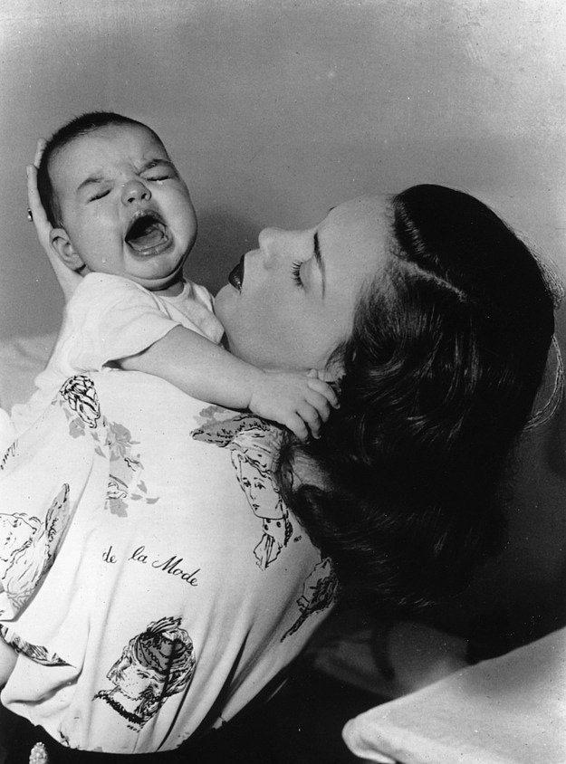 1939 yapımı Oz Büyücüsü filminin şirin kızı Judy Garland ve onun bebeği