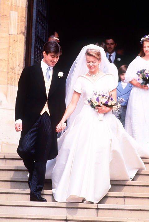 Tim Taylor ve Windsor Leydisi Helen  Helen Windsor ve Tim Taylor 1992 yılında evlendiler. Leydi Helen'in gelinliği Catherine Walker tasarımıydı.