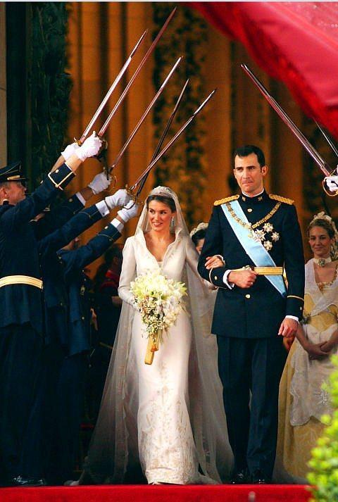 Kral Felipe ve İspanya Kraliçesi Letizia Ortiz  Kral Felipe ve İspanya Kraliçesi Letizia Ortiz 2004 yılının Mayıs ayında evlendiler.