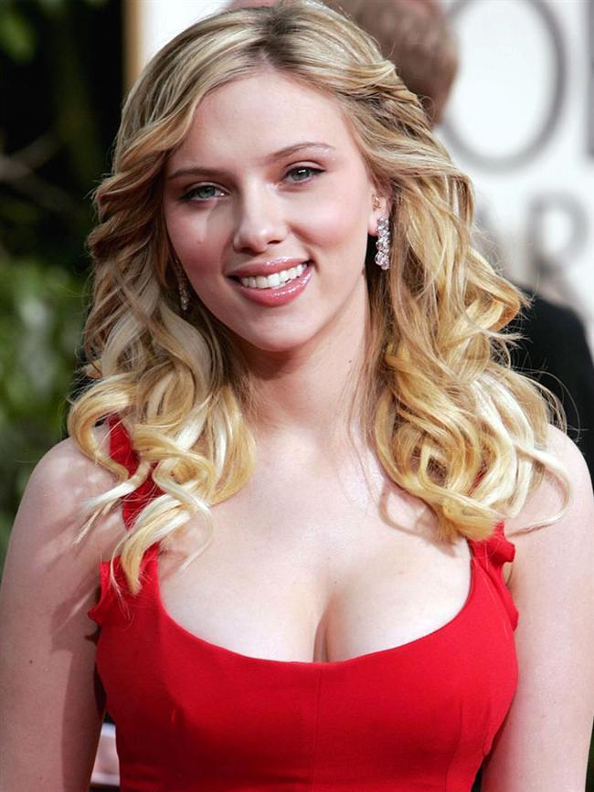 Scarlett Johansson  İlk nöbeti film setinde yaşayan Johansson, soğuk soğuk terlediği ve kalbi yerinden çıkacakmış gibi hissettiği o anı, üzerinden yıllar bile geçse asla unutamayacağını söylüyor.