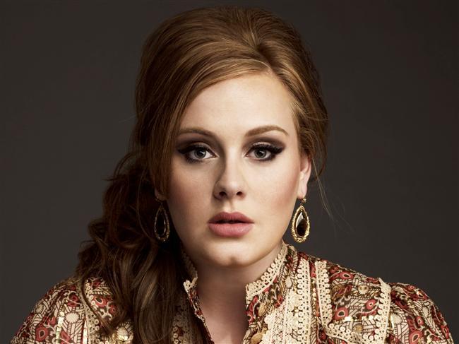 Adele  Sosyal fobi ve şiddetli sahne korkusu tanısı bulunan Adele, salt bu sebeplerle, verdiği her kalabalık konser öncesi, anksiyete nöbetleri geçiriyormuş.