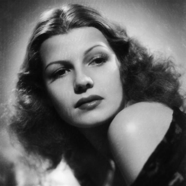 Evlilikte dünya markası; Rita Hayworth.  Rita Hayworth 5 kez evlendi.