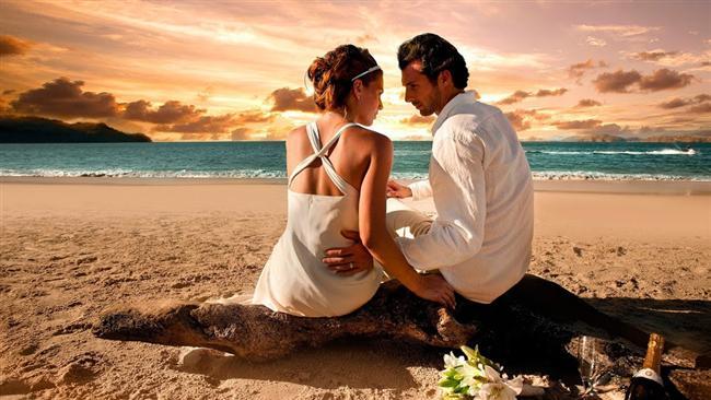 U - Ü  Tam bir paradoks. Aşık olduğunda gerçekci, aşık olmadığı zamanlarda aşka aşık bir tip. Her zaman değer verecek birini arar. Sevmek için yaratılmıştır. Sevgilisini her şeyin üzerinde tutar.
