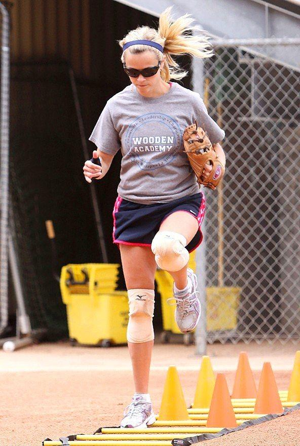 Reese Witherspoon - Yoga ve beyzbol