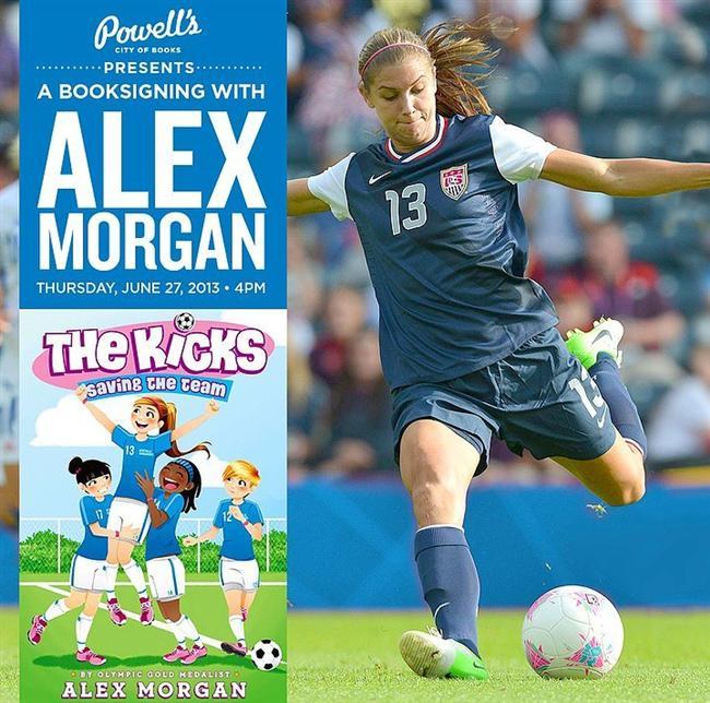 """Yetenekleri futbolla da sınırlı değil. Yazdığı """"The Kicks"""" adlı kitabıyla çoksatanlar listesine de girmeyi başardı."""