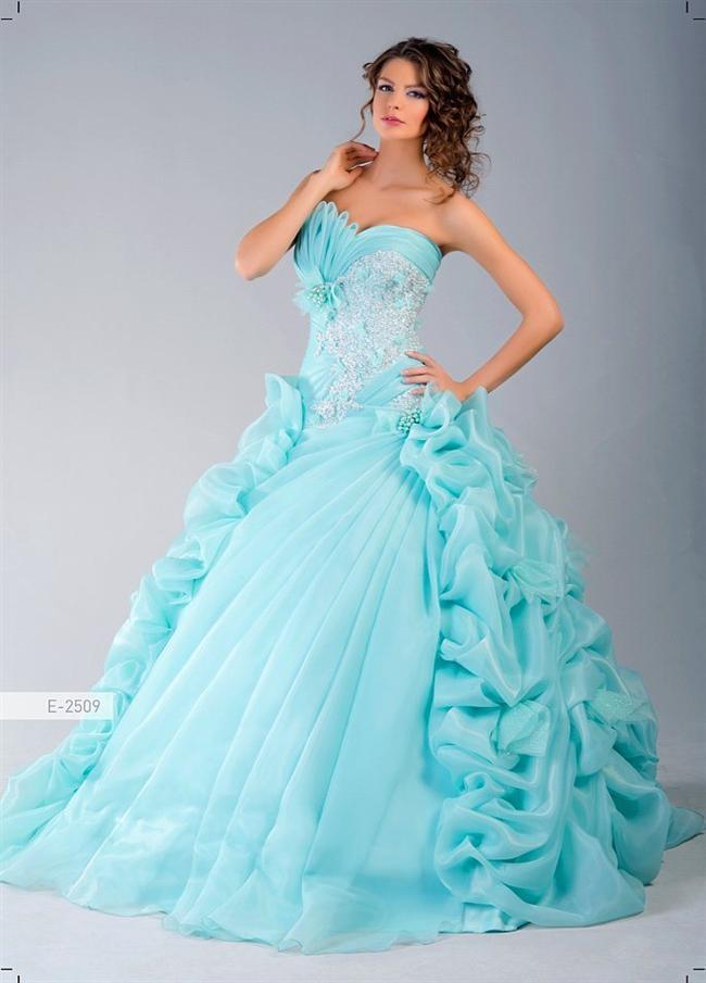 """""""Ablam evleniyor sıra bana hemen gelse bari."""" elbisesi"""