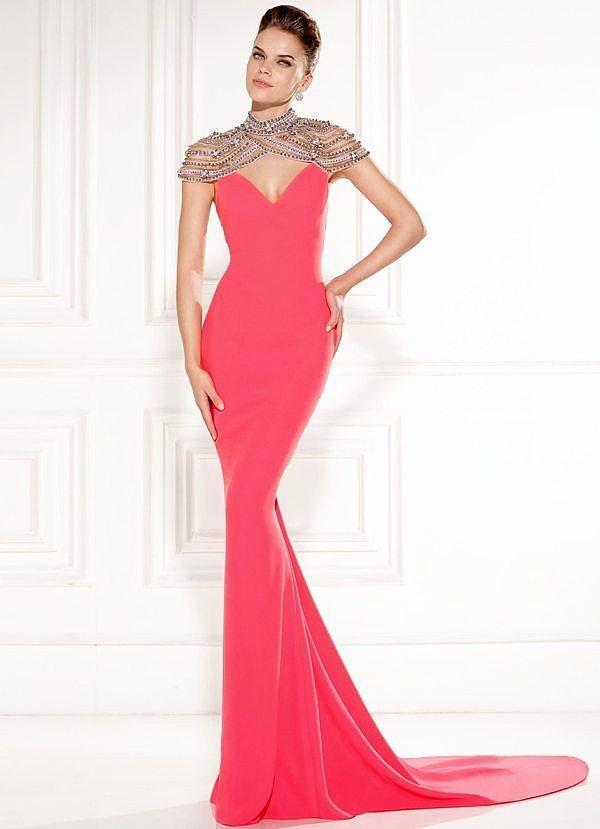 """""""Önümüzdeki ay da benim düğünüm var, hepinizi orda görmezsem küserim."""" elbisesi"""