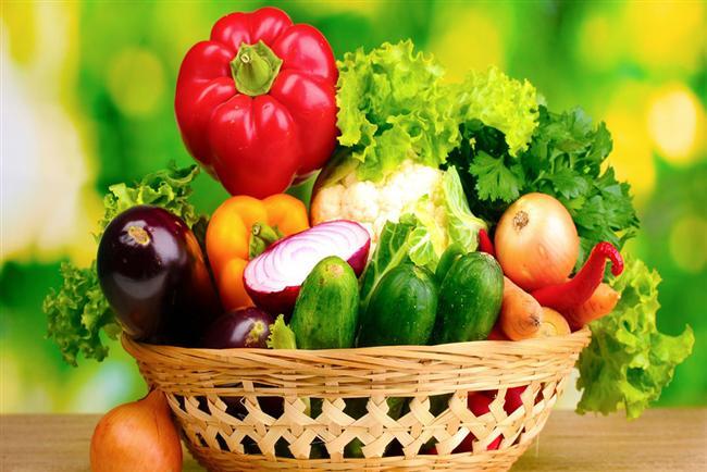 TAZE SEBZE   120 yaşındaki Arap asıllı İngiliz Mariam Amash, uzun ömürlü olmasını bolca sebze yemesine bağlıyor. Dr. Weichselbaum'un, günlük beslenme listemize çeşitli vitamin ve minareller içeren sebzeleri de dahil etmemiz şart. Sebzeler, kalp krizini önlüyor ve kansere karşı koruma sağlıyor.