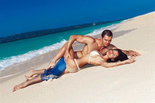"""Yaz aşkı kavramının """"tatil boyunca sevişelim"""" demek olduğunu öğrenirsiniz."""