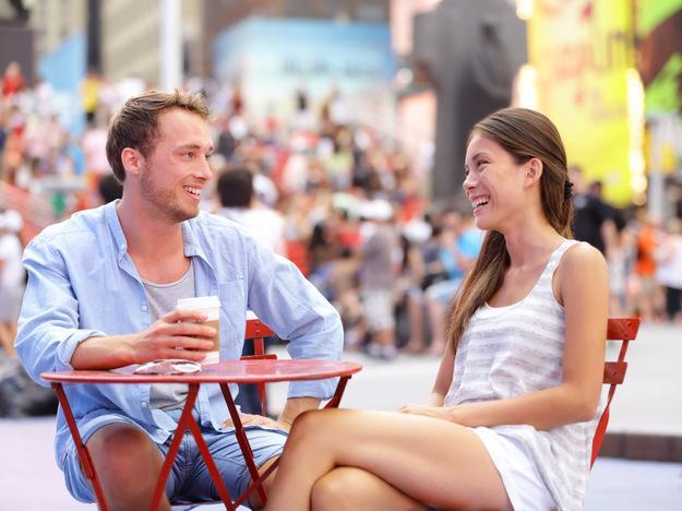 12. Kendine güvenen kadının kendine ait sözleri, düşünceleri, fikirleri vardır, oysa erkek kendi fikirlerinin kabullenilmesini bekler.