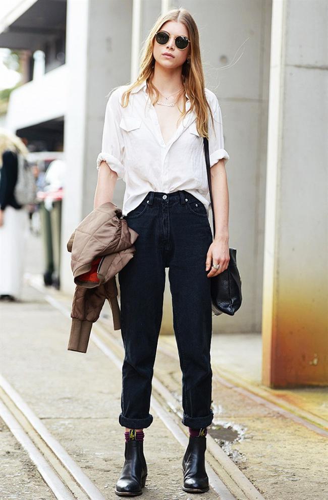 Yüksek Bel Pantolonlar  Düşük ve normal bel pantolonların revaçta olmasının ardından şimdide dolaplarımızda yeniden yer alacak bir diğer parça da yüksek bel pantolonlar.