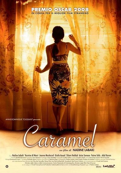 Caramel  Yönetmen: Nadine Labaki  IMDb: 7.2  Beyrut'ta yaşayan beş kadın aşk, evlilik, eşlik edilebilecek bir birliktelik, dostluk, iş aramak gibi konu başlıkları ile bir araya gelirler. Bu kadınlar bir güzellik salonunda buluşur her şeyden konuşurlar. Hatta bu birkaç farklı nesilden kadınları içeren sohbetlerdir. Sırlar paylaşılır, hayaller dile getirilir burada. Burası şehrin en renkli yerlerinden biridir. Kadınların her birinin bambaşka hayatları vardır ve aynı zamanda da her biri çok farklı ve kendine göre son derece de güzeldir. Film, bu kadınların paylaşımlarına odaklanıyor.