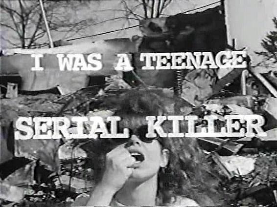 """I Was A Teenage Serial Killer  Yönetmen: Sarah Jacobson  IMDb: 5.6  Sarah Jacobson tarafından yazılıp çekilen """"I Was A Teenage Serial Killer"""", 19 yaşındaki bir kızın seksist erkekleri öldürmesini konu alıyor."""