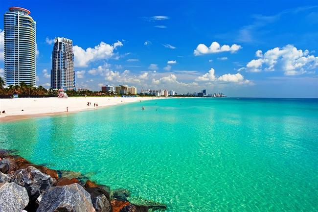 Etkileyici sokakları, çarpıcı mimarisi, renkli geceleri ve kendine özgü lezzetleriyle fark yaratan şehirler seksi ve çarpıcı özellikleri ile ziyaretçilerini kendine hayran bırakıyor. İşte Gidello  ekibine göre dünyanın en seksi şehirleri.  Miami, Florida  80'li yılların en seksi şehirlerinden biri olan Miami, aynı unvanı halen koruyor. Bol güneşli ve sıcak havası ve renkli sokaklarıyla insanın içini ısıtan bu şehir, masmavi okyanusunun cazibesiyle göz kamaştırıyor. Gurme yiyecekler ve salsa danslarıyla şehvet dolu Miami, baştan çıkaran atmosferiyle dünyanın en seksi şehirleri arasında yer almayı hak ediyor.