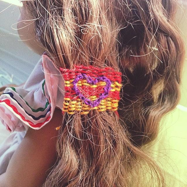 İster kalp şeklinde isterseniz kare, üçgen ve daha birçok modelde saçlarınızı iplerle süsleyebilirsiniz.