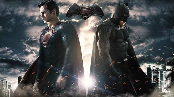 """Batman ve Superman: Adaletin Şafağı  Yönetmenliğini Zack Snyder'in yaptığı """"Batman ve Superman: Adaletin Şafağı (Batman and Superman: Dawn of Justice) 2013 yazının bol gişeli hiti """"Man of Steel""""in (Çelik Adam) devamı olacak. Batman ve Superman'ın karşı karşıya geleceği aksiyon filmde Oscar ödüllü Ben Affleck ile Henry Cavill ve Amy Adams gibi oyuncular yer alıyor. Film, gelecek yıl mart  ayında vizyona girecek."""