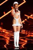 Miley'nin Garip MTV Giysileri - 11