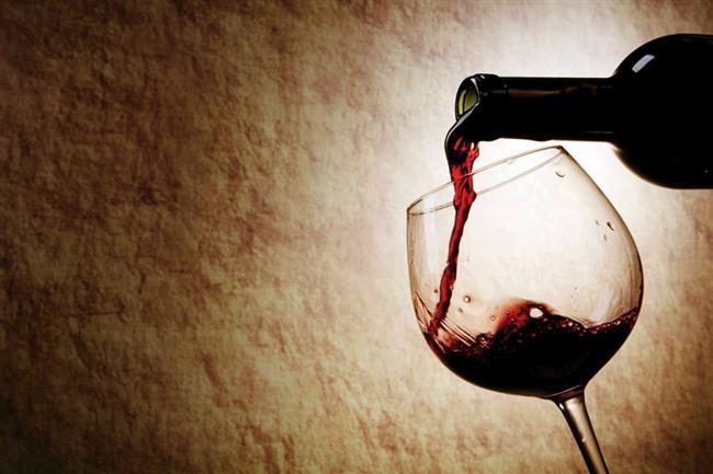 Egoist Şarapsever  Şarapseverler, diğer insanlardan farklı ve daha özel olduklarını hissetmek isterler. Hayatlarındaki en büyük amaç zengin olmaktır ve bunu da genellikle başarırlar. Çok fazla ayrıntıcı olmaları, devamlı hayatlarını kontrol etmeye çalışmalarına sebep olur. Fakat bu özellikleri, etraflarındaki insanları biraz bunaltabilir. Her şey şarapseverlerin isteğine uygun bir şekilde yapılmalıdır çünkü en doğrusunu her zaman onlar bilirler. Hayatın tadını çıkarmasını da bilirler fakat yalnızca elit bir ortamda bulundukları zaman rahat olurlar.