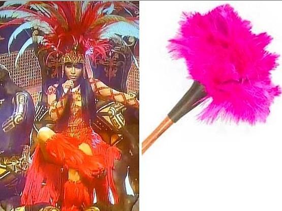 17. Nicki Minaj - Toz Alma Fırçası