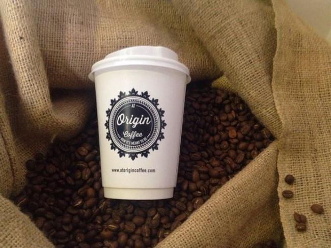 At Origin  Sıraselviler'de minik bir espresso bar olarak başlayan At Origin, Balmumcu'da Roastery & Coffee Shop açarak büyümeye başladı. Yeşillikler içindeki serin mi serin bahçesinde yazları kahve yudumlamak, çölde vaha bulmak…