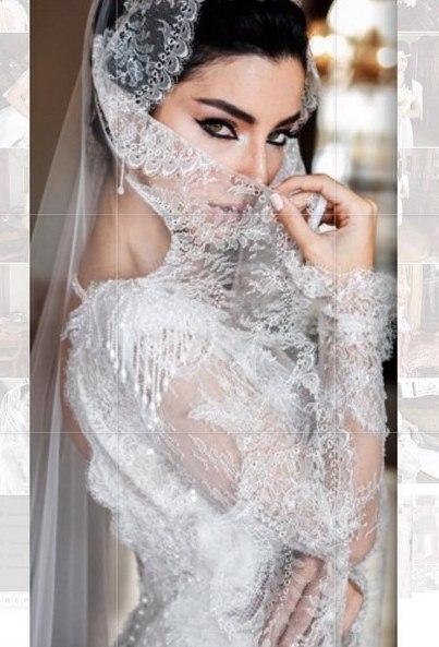 Merve Boluğur  O kadar güzel arkadaş biriktirmişiz ki! Birbirinden güzel düğün fotoğraflarımız için @tameryilmaz1 ❤️ başından beri hiçbir destegine esirgemeyen @terimfulya anne yarısısın😘ve mükemmel az kalır dediğim @terimevents kızlarına⭐️ ekibine.. @sezginkarakus2013 teknikte harikalar yarattı🙏..sen olmasan eksik olurdu bu düğün..! İkinci düğünümüzde bize masal gibi bir gece yaşatan @gazahan ve #laikabeach .. 👊👊👊(gelinliğimi soranlara @bertabridal )