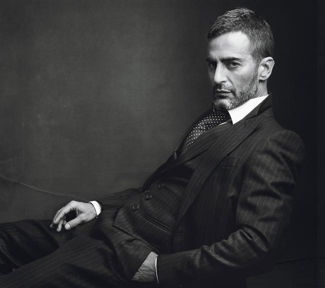 Marc Jakobs  Son dönemin en başarılı modacılarından biri daha... Marc abimiz de hemcinsinlerinden hoşlanmasıyla kadınları üzmüştür.