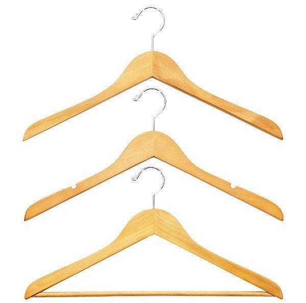 Kıyafetlerinizin omuzlarının hep yeni gibi durması için askıda muhafaza edin.