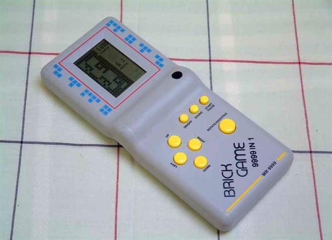 Tetris  İçindeki yüzlerce oyun ve muhteşem ergonomik tasarımıyla çağının efsanesiydi. Onca teknolojik oyuncak çıktı ama hepsini toplasanız bir tetris eder mi? Bence etmez.