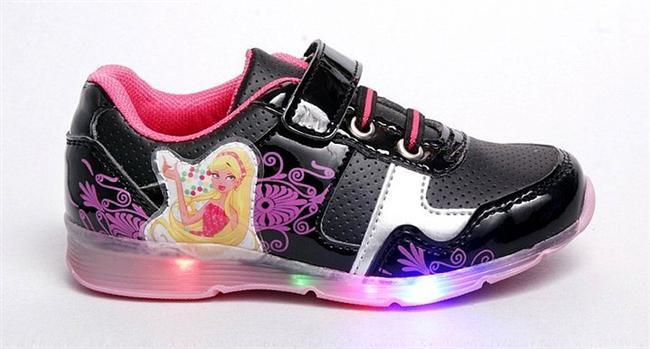 Işıklı spor ayakkabı  Wearable (giyilebilir) teknolojinin öncüsü ve atası. 90lıların çocukluk dönemlerinde rüyalarını süslemiş bir efsane.