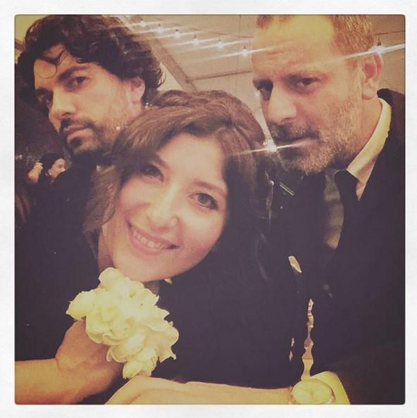 Şebnem Bozoklu  Düğünümüz var. #fezandoga evlendi 🎀 @emreizer @ozan.guven