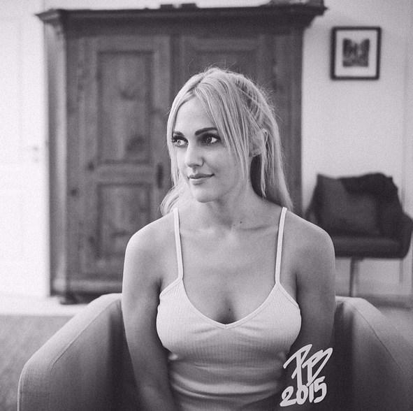 Meryem Uzerli  Picture By @patricebouedibela 💋✌🏻️💋🌼