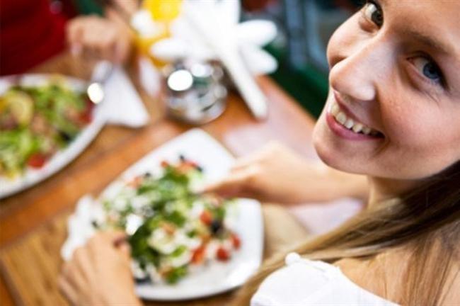 Yemeklerinizi nerede yediğiniz ve nereden satın aldığınız çok önemli değil. Hoşlandığınız yiyeceklerin sağlıklı yeme tarzına uygun olmasına dikkat edin.